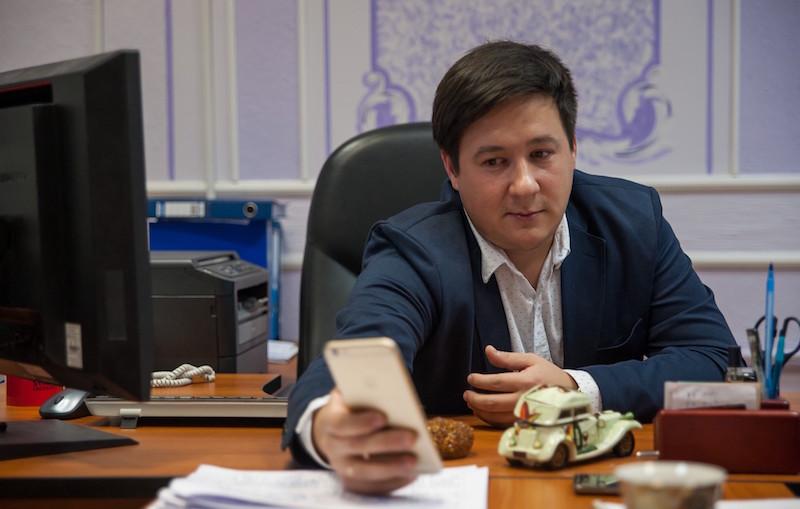 Сергей Егоров, директор ГБОУ Школы №356 им Н.З. Коляды. Фото: Макс Новиков