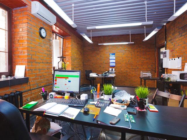Партнерский офис, в котором можно не только «прописаться», но и провести встречу с сотрудником банка или налоговой. Фото: «ДВБ»